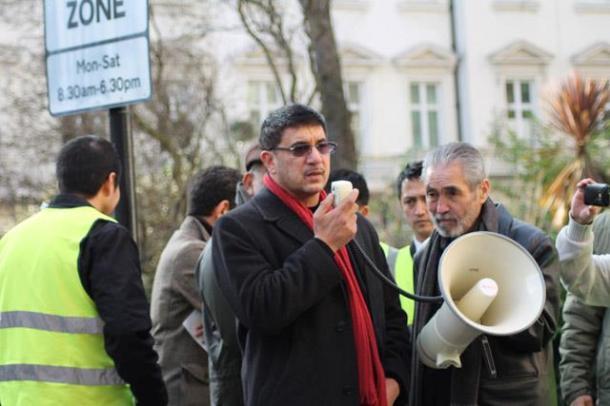 Amjad Khan (UK President, Pakistan Tehreek Insaaf), addressing the protesters
