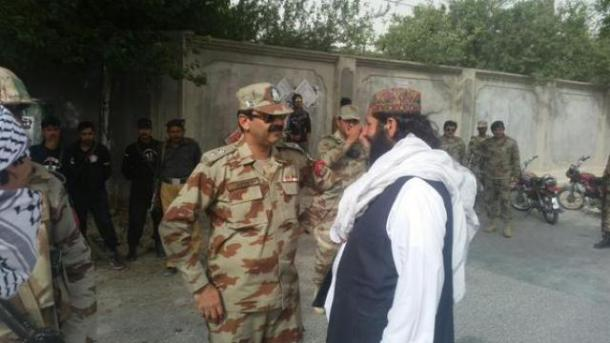 Leader of ASWJ (banned terrorist organisation) exchanging views with army personnel in Quetta on 24-05-15